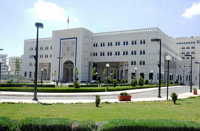 الحكومة في بيانها: دعم الإعلام ومدّه بالوثائق والمعلومات والحقائق