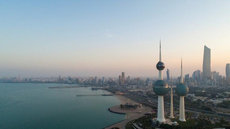 النيابة الكويتية تأمر باعتقال مواطنين جلبوا 400 وافد على 5 فنادق وهمية داخل البلاد